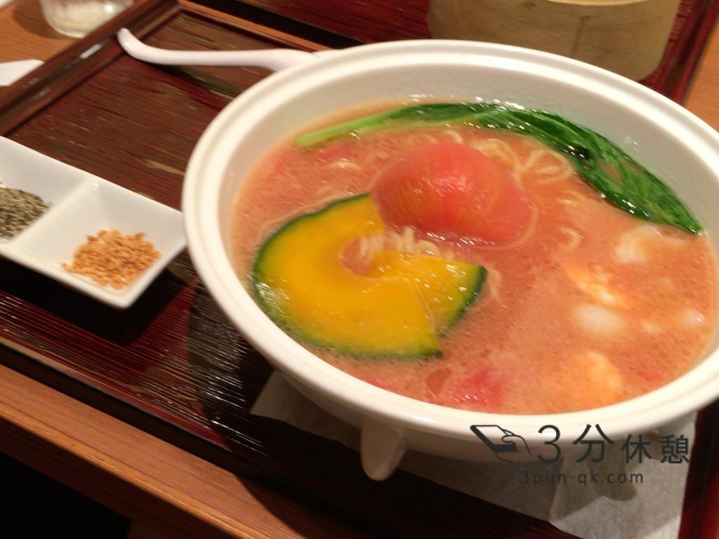 大阪阪急サン広場地下通りの「古譚」の丸ごとトマトラーメンを食べてみた