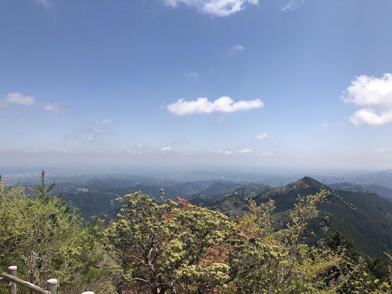 日の出山の山頂